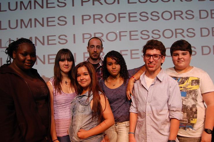 Autors del projecte guanyador amb el regidor de Joventut